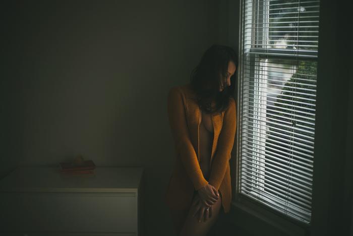 vancouver boudoir photographer, photography, boudoir, beauty, morning light, bedroom, portraits, Leica, m240, © Gabe McClintock Photography | www.www.gabemcclintock.com