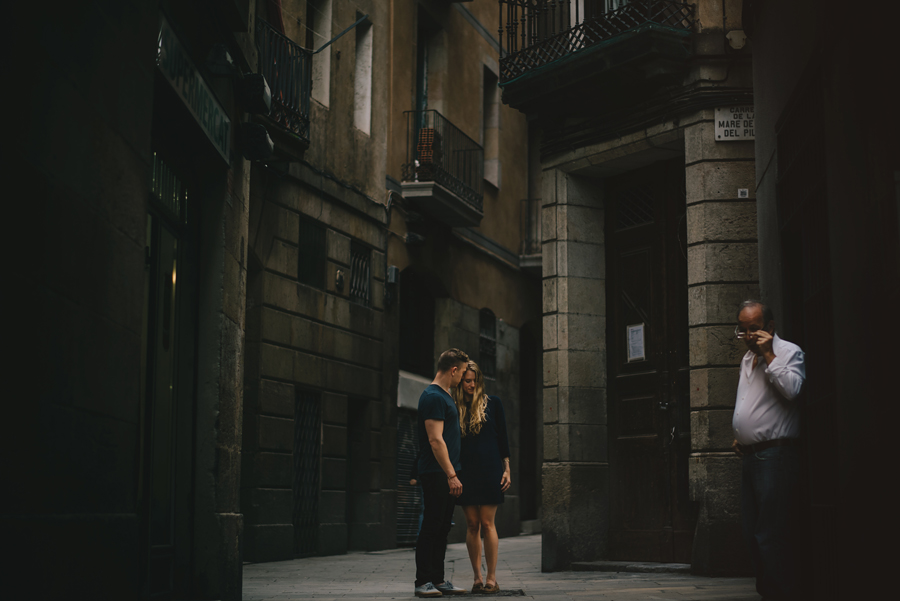 Barcelona photographer, Spain, connection, couples, nikon d750, ©Gabe McClintock Photography | www.gabemcclintock.com