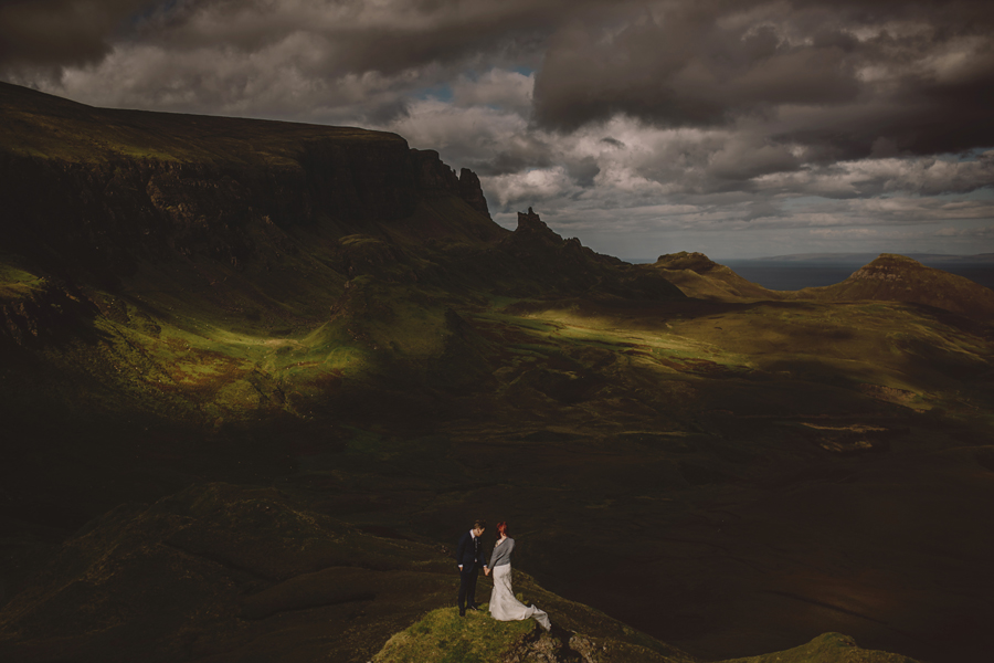 Scotland wedding photographer, Scotland wedding photography, Scotland wedding, explore Scotland, Scotland wedding photos, Isle of Skye, old man stor, connection, elopement, wedding, bride and groom, Nikon, D5, sigma art, VSCO, ©Gabe McClintock Photography | Scotland wedding photographer, Scotland wedding photography, Scotland wedding, explore Scotland, Scotland wedding photos, Isle of Skye, old man storr, connection, elopement, wedding, bride and groom, Nikon, D5, sigma art, VSCO, ©Gabe McClintock Photography | www.gabemcclintock.com