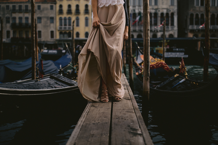 Venice wedding, Venice wedding photographer, Venice photographer, explore Venice, Italy wedding, Italy elopement, Venice wedding photos, elopement photographer, destination wedding photographer, connection, elopement, wedding, bride and groom, DVLOP, we roam the earth, ©Gabe McClintock Photography | www.gabemcclintock.com